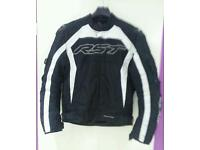 Rst waterproof motorbike Jacket with safety pads in very good condition size xl!can deliver or post!