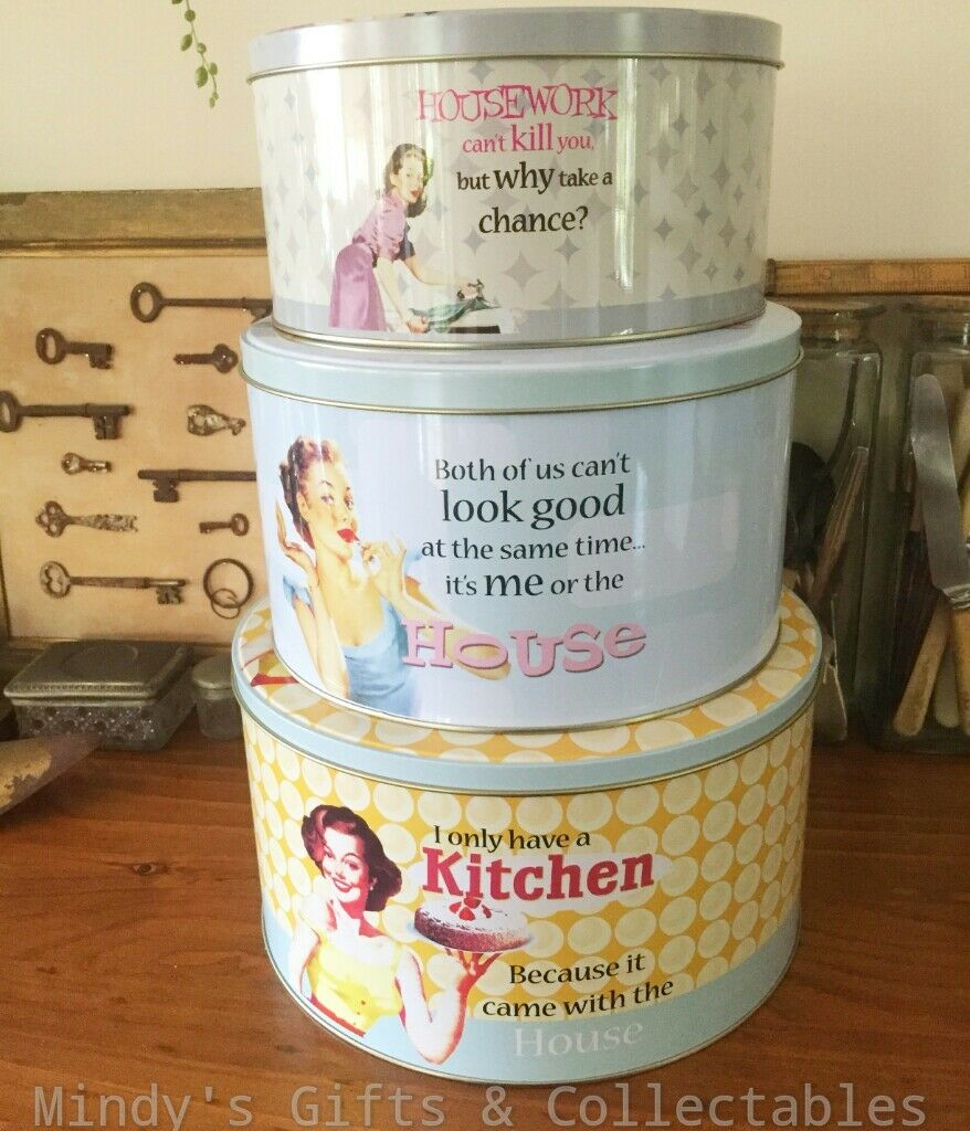 Retro  S Style Cake Tin Set