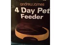 Pet feeder - 4 days - Andrew James - pink