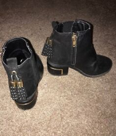 Girls river island heeled boots sz 9