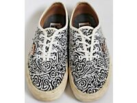 Women's Size 4 Vans Trainers - Textured Navy Blue and White Floral Print
