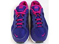 Women's / Girl's Size 6 Purple and Pink Flex TR2 Running Trainers By Nike