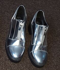 Brand new silver shoes size 6 LADIES