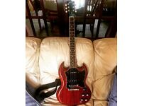 Gibson SG Classic 2010 ( nicer than special or standard !)