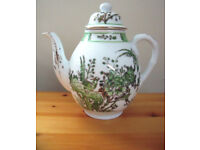 Vintage (late 20th century?) YT teapot - green/gilt design. Decorated in Hong Kong. £7 ovno.