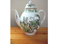 Vintage (late 20th century?) YT teapot - green/gilt design. Decorated in Hong Kong. 7 ovno.