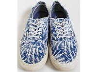 Women's Size 5 Blue and White Vans Trainers