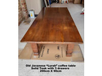 """Large """"Lurah"""" teak coffee table with 3 drawers - old made in Indonesia"""
