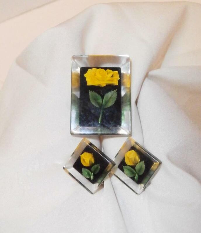 VINTAGE REVERSE CARVED LUCITE YELLOW ROSE PIN & SCREW BACK EARRING SET