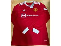 New Manchester United long sleeve home shirt size large