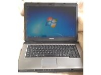 Toshiba Windows 7 Laptop - DVD WiFi - Office 2013 **DELIVERY**