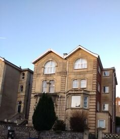 REDLAND Superb well appointed & well managed two double bedrooms first floor flat ideal for couple.