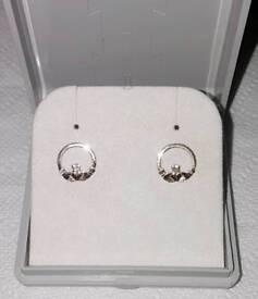Irish 9ct Yellow Gold Pair Claddagh Stud Earrings 375 9KT
