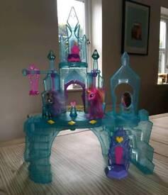 My Little Pony - Crystal Empire Castle - Explore Equestria