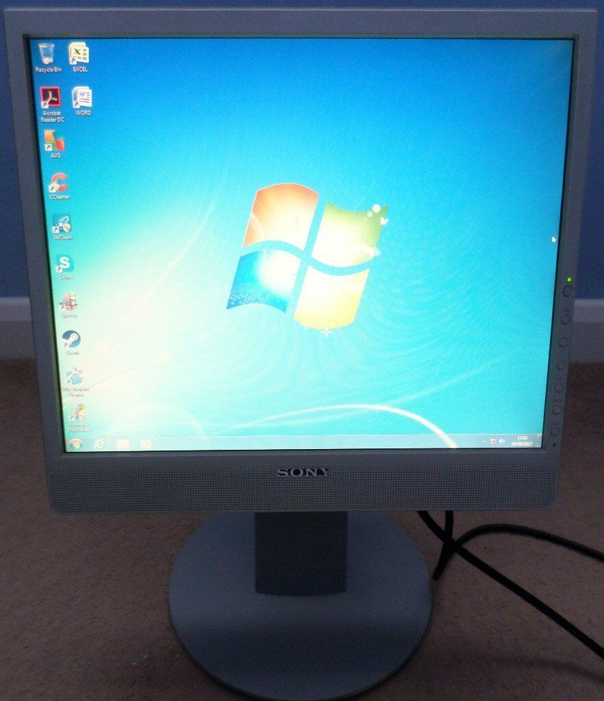 "19"" Sony SDM-X73 LCD Flatscreen Monitor x3 Inputs Ideal For PC Builders"