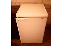 BOSCH UNDER COUNTER FRIDGE WITH FREEZER COMPARTMENT GOOD CLEAN CONDITION CAN BE SEEN WORKING