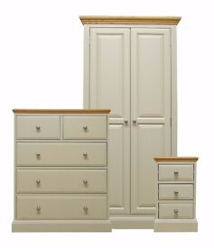 Durrington Oak Bedroom Furniture Set **Home Delivery Available**