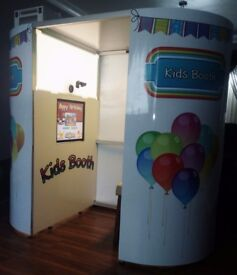 Kids party mini photo booth. Excellent condition