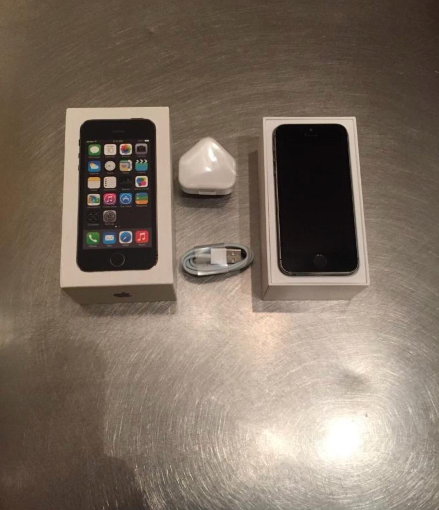 iPhone 5S 32 gb Vodafone network Boxed can deliver