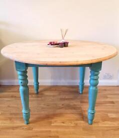 Solid Pine 4x Seater Round Provence Dining Table