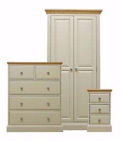 Durrington Oak Bedroom Furniture Set **Home Delivery Available**