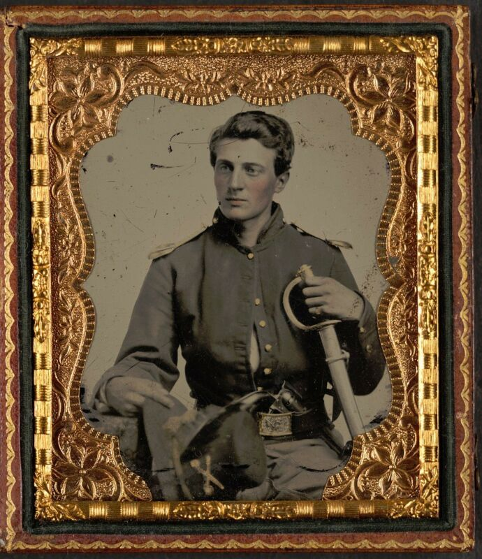 Photo Civil War Union Private George Hall Kane County Illinois Cavalry Sword Gun