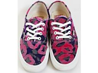 Women's / Girl's Size 5.5 Pink and Purple Trainers / Plimsolls / Pumps By Vans