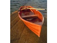 Brand new beautiful built varnished 9ft 8ins rowing skiff designed by Sam Devin