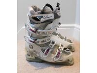 Womens ski boots - size 24.0-24.5