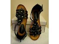 black wedge flower strap summer sandals
