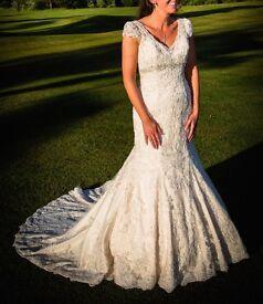 beautiful vintage mermaid style wedding dress