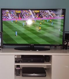 Samsung 40-inch Widescreen Full HD 1080p LED TV - USED - Mint Condition