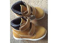 BNWT Next Boys Boots - Infant Size 7