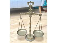 VINTAGE ANTIQUE BRASS WEIGHING SCALES, BALANCING, JUSTICE, KITCHEN DISPLAY
