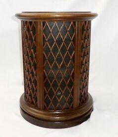 Vintage Pioneer Lattice Drum Table Speaker ---vgc