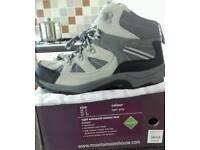 New size 6 & 4 Mountain Warehouse Rapid Waterproof Women's Walking/ Hiking Boots