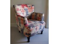 Chair with arms in trendy flag fabric, excellent condition Red/Blue/Cream/Grey - Dark Wooden legs