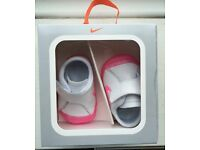 Nike White and Pink Baby Waffle 1 Crib Trainers - Size 0.5