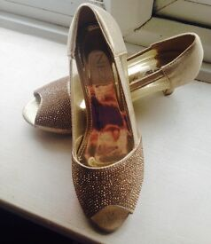 Girls Gold Prom Shoes Size 1