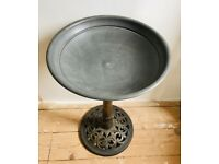 Bronze colour outdoor garden bird bath drinker Made of strong plastic resin with 3 metal pegs aviary