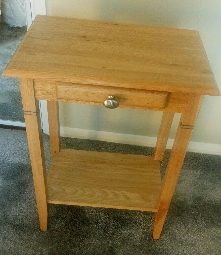 Oak Table with drawer.Ideal for bedside table,telephone