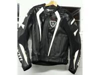 Beautiful Rev'it Dutch Motorbike jacket size 52 《Medium》