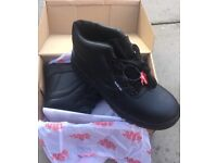 BRAND NEW WARRIOR SAFETY BOOTS – SIZE 10 – WATER PROOF ETC. NO OFFERS
