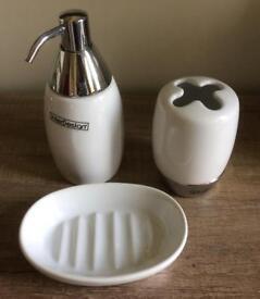 NEW - Ceramic/chrome bathroom accessories