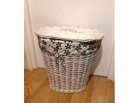 White Wicker Laundry Basket With Detachable Lining