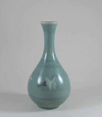 VINTAGE KOREAN CRACKLE GLAZE CELADON SIGNED STEM VASE