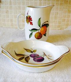 VintageRoyal Worcester Evsham Gold Entree/Gratin Dish Plus Milk Or Gravy Pitcher