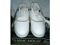 BNIB ladies white golf shoes with spikes