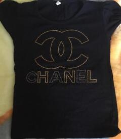 Age 5-6 Chanel T-shirt. Good condition