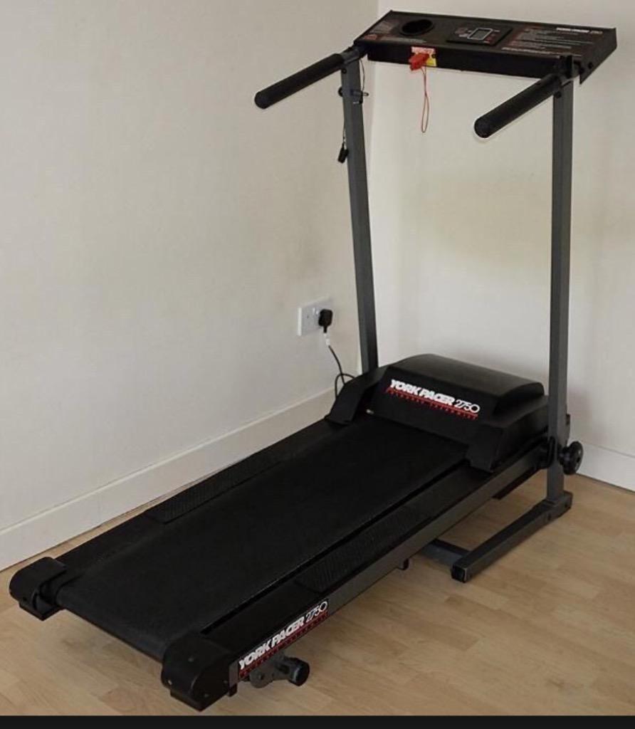 Treadmill Desk Gumtree: York Pacer 2750 Foldable Treadmill